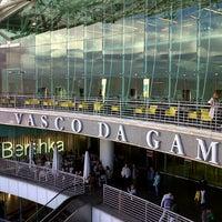 Foto scattata a Centro Comercial Vasco da Gama da José E. il 5/17/2013