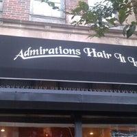 11/3/2012 tarihinde Gretchin Y.ziyaretçi tarafından Admirations Hair It Iz'de çekilen fotoğraf