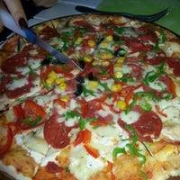 12/27/2012 tarihinde Gizem K.ziyaretçi tarafından Pizzacı Altan'de çekilen fotoğraf