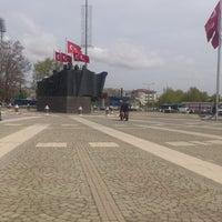4/9/2013にLostlife D.がDemokrasi Meydanıで撮った写真