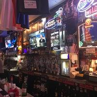 Foto scattata a Salty Dog Saloon da Lauren B. il 7/21/2017