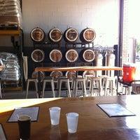 Das Foto wurde bei SingleCut Beersmiths von Kazumi T. am 7/18/2013 aufgenommen