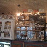 3/11/2013 tarihinde A T.ziyaretçi tarafından Cafe Pick Me Up'de çekilen fotoğraf