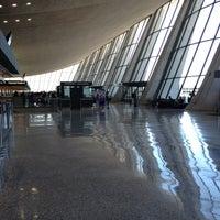 Foto diambil di Washington Dulles International Airport (IAD) oleh Jenny P. pada 5/1/2013