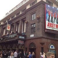5/5/2013 tarihinde Andy K.ziyaretçi tarafından Prince Edward Theatre'de çekilen fotoğraf