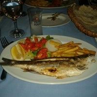 8/17/2013 tarihinde Hande İkbal T.ziyaretçi tarafından Calamar Restaurant'de çekilen fotoğraf