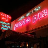Foto scattata a Casa Bianca Pizza Pie da Michael M. il 2/10/2013