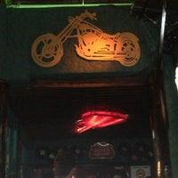 Foto diambil di Decky Bar oleh Luiz C. pada 2/11/2013