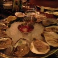 12/29/2012 tarihinde Khrista T.ziyaretçi tarafından Shaw's Crab House'de çekilen fotoğraf