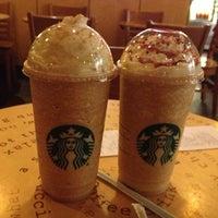 Foto tomada en Starbucks por Antonio M. el 12/3/2012