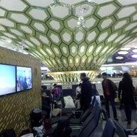 2/17/2013에 Алекс Т.님이 아부다비 국제공항 (AUH)에서 찍은 사진