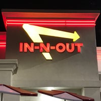 Photo taken at In-N-Out Burger by Biz T. on 1/7/2019