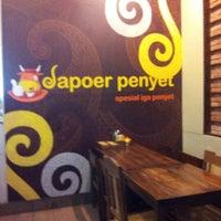 Foto scattata a Dapoer Penyet da Ayu Silvia il 12/7/2012
