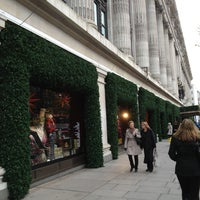 Foto scattata a Selfridges & Co da LuckySleven il 11/26/2012