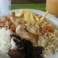 รูปภาพถ่ายที่ Restaurante Golden Grill โดย Ricardo R. เมื่อ 4/27/2013