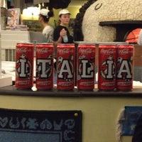 Foto scattata a Pizzeria O' Vesuvio Napoletana Forno Legna da Vikusik il 11/9/2012