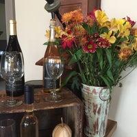 10/29/2015 tarihinde Annamarieziyaretçi tarafından Harvest Ridge Winery'de çekilen fotoğraf