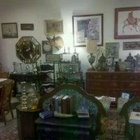 1/5/2012에 Kelsi S.님이 Cure Thrift Shop에서 찍은 사진