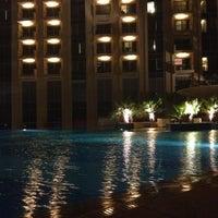 Foto diambil di Shades oleh Alla M. pada 12/5/2012