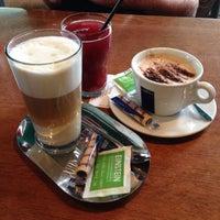 Das Foto wurde bei Café Einstein von Christina am 8/9/2014 aufgenommen