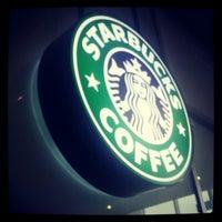3/31/2013 tarihinde Ирина Л.ziyaretçi tarafından Starbucks'de çekilen fotoğraf