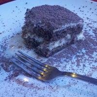 Снимок сделан в Gusto's Ristorante Italiano пользователем Catherine C. 11/27/2012