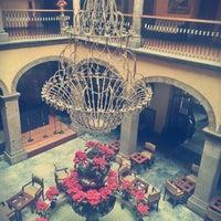 Foto tirada no(a) Hotel Francés por Mariel P. em 1/20/2013