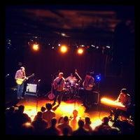 รูปภาพถ่ายที่ Paradise Rock Club โดย Liz P. เมื่อ 10/13/2012
