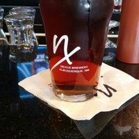 Foto tomada en Nexus Brewery por Kristin E. el 8/21/2015