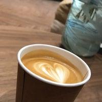 Das Foto wurde bei Element Specialty Coffee von RAY A. am 11/10/2018 aufgenommen