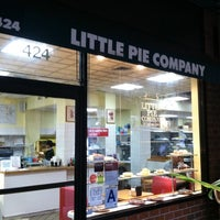 Foto scattata a Little Pie Company da Christina H. il 10/3/2012