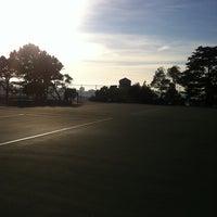 1/8/2013 tarihinde Jaime L.ziyaretçi tarafından Alice Marble Tennis Courts'de çekilen fotoğraf