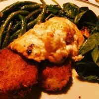 Снимок сделан в Newport Bay Restaurant пользователем Poisonotter N. 3/11/2014