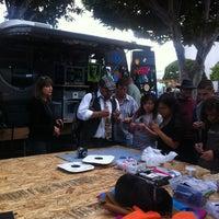 Foto diambil di LA Makerspace oleh Tara Tiger B. pada 6/6/2013