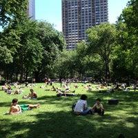 รูปภาพถ่ายที่ Madison Square Park โดย Christian เมื่อ 6/12/2013