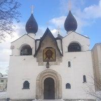2/2/2013 tarihinde Юлияziyaretçi tarafından Marfo-Mariinsky Convent'de çekilen fotoğraf