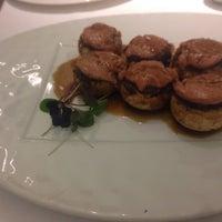 รูปภาพถ่ายที่ M29 Restaurante Hotel Miguel Angel โดย Carlos M. เมื่อ 9/21/2013