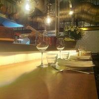2/10/2013 tarihinde Javi Z.ziyaretçi tarafından Toto Restaurante & Wine Bar'de çekilen fotoğraf