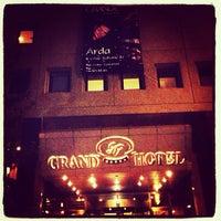 Das Foto wurde bei Grand Hotel Gaziantep von Arda Adil Ö. am 6/29/2013 aufgenommen
