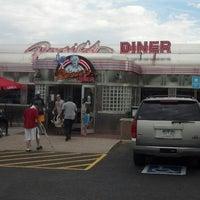 Foto tirada no(a) Rosie's Diner por Chris C. em 6/30/2013