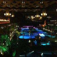 รูปภาพถ่ายที่ Cratos Premium Hotel & Casino โดย Ali B. เมื่อ 6/16/2013