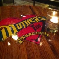 Foto tirada no(a) Mother's Too por Rush and Division em 8/1/2013