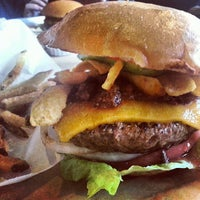 6/16/2013にReal Posh M.がHopdoddy Burger Barで撮った写真