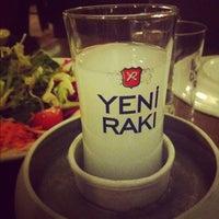 Foto tirada no(a) Muzom Restoran por Yasemin A. em 2/13/2013