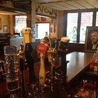 Foto tomada en K. C. Branaghan's Irish Pub por Kelly S. el 12/5/2012