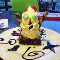 Foto tomada en Lukumbe Café por Mayra C. el 12/13/2012