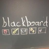 11/14/2013 tarihinde Ömer A.ziyaretçi tarafından Blackboard Cafe & Bar'de çekilen fotoğraf