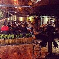 Foto tomada en Cafe Nosta por Mehmet S. el 5/9/2013