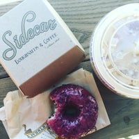 Photo prise au Sidecar Doughnuts & Coffee par Nicole D. le11/21/2015