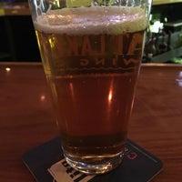รูปภาพถ่ายที่ Brew House Bar & Grill โดย Brian F. เมื่อ 3/11/2017